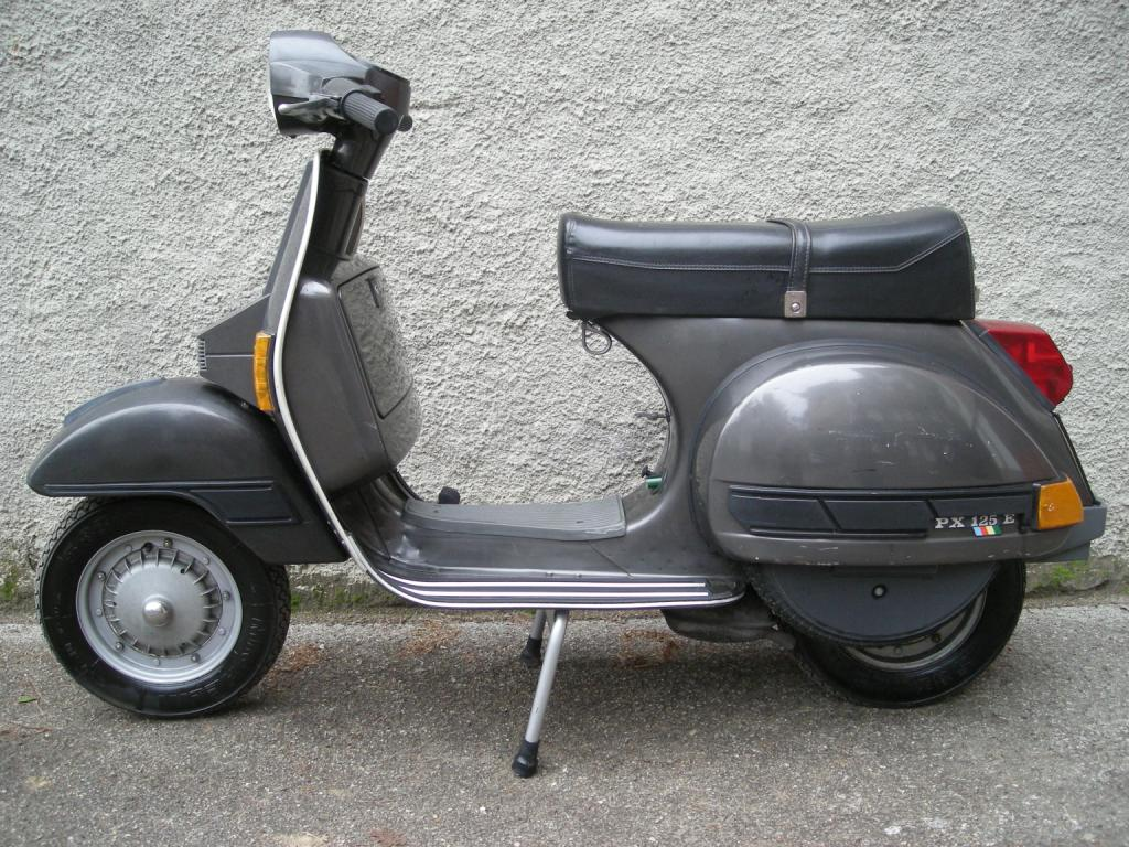 skuter on pinterest vespas vespa px and cross country. Black Bedroom Furniture Sets. Home Design Ideas