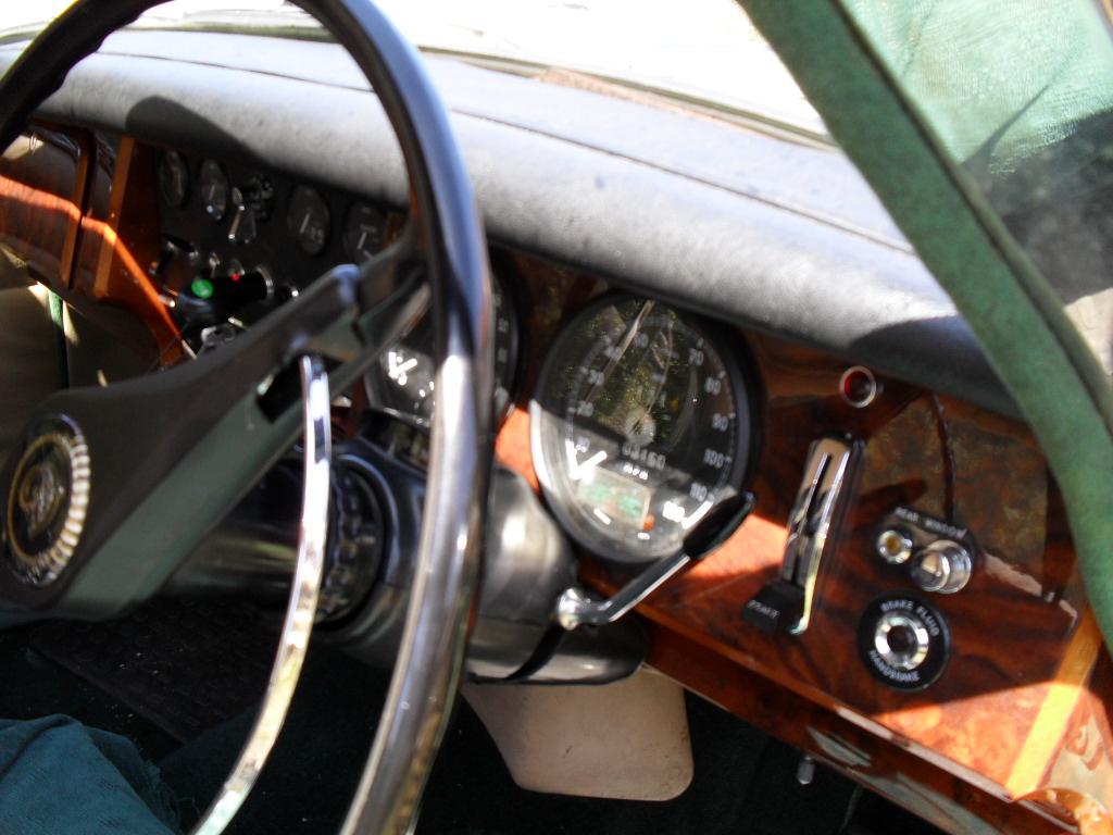 Jaguar /daimler 250 v8
