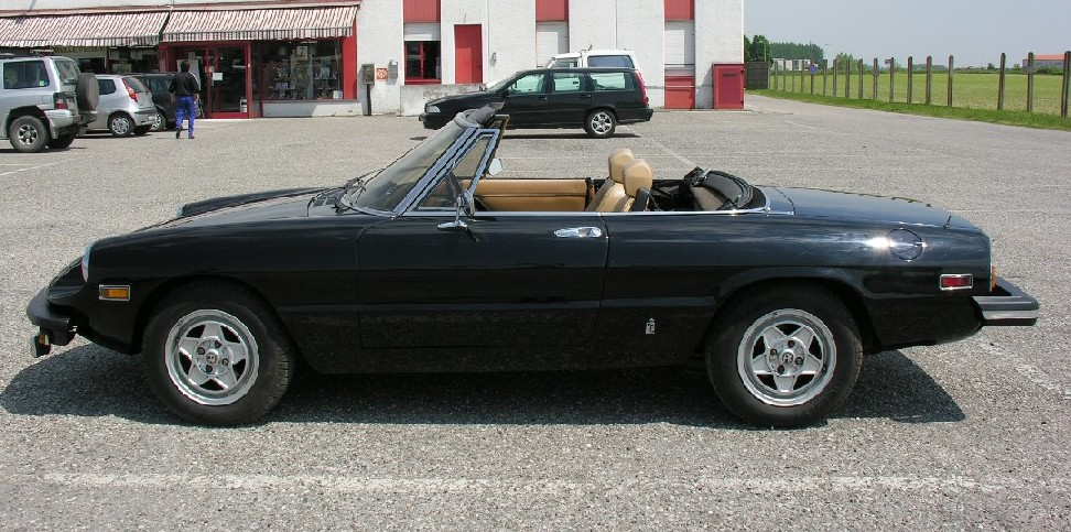 Alfa Romeo Duetto 2000 America