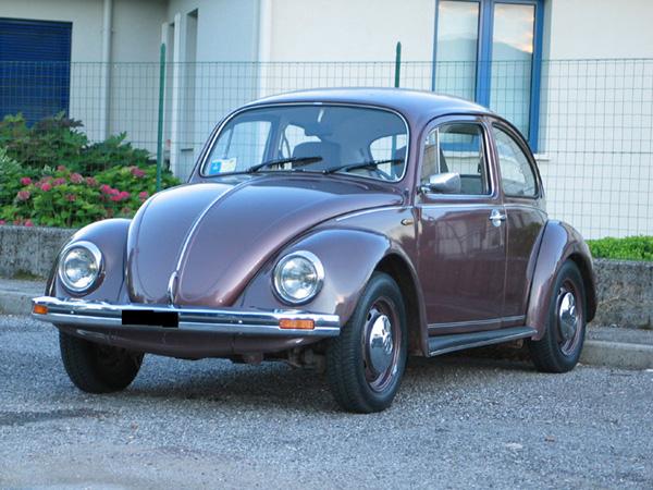 Volkswagen Maggiolino Aubergine
