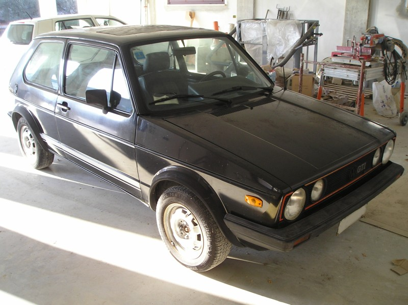 scaduto vendo volkswagen golf i gti 1 6 anno 1982 43577 ricambi. Black Bedroom Furniture Sets. Home Design Ideas
