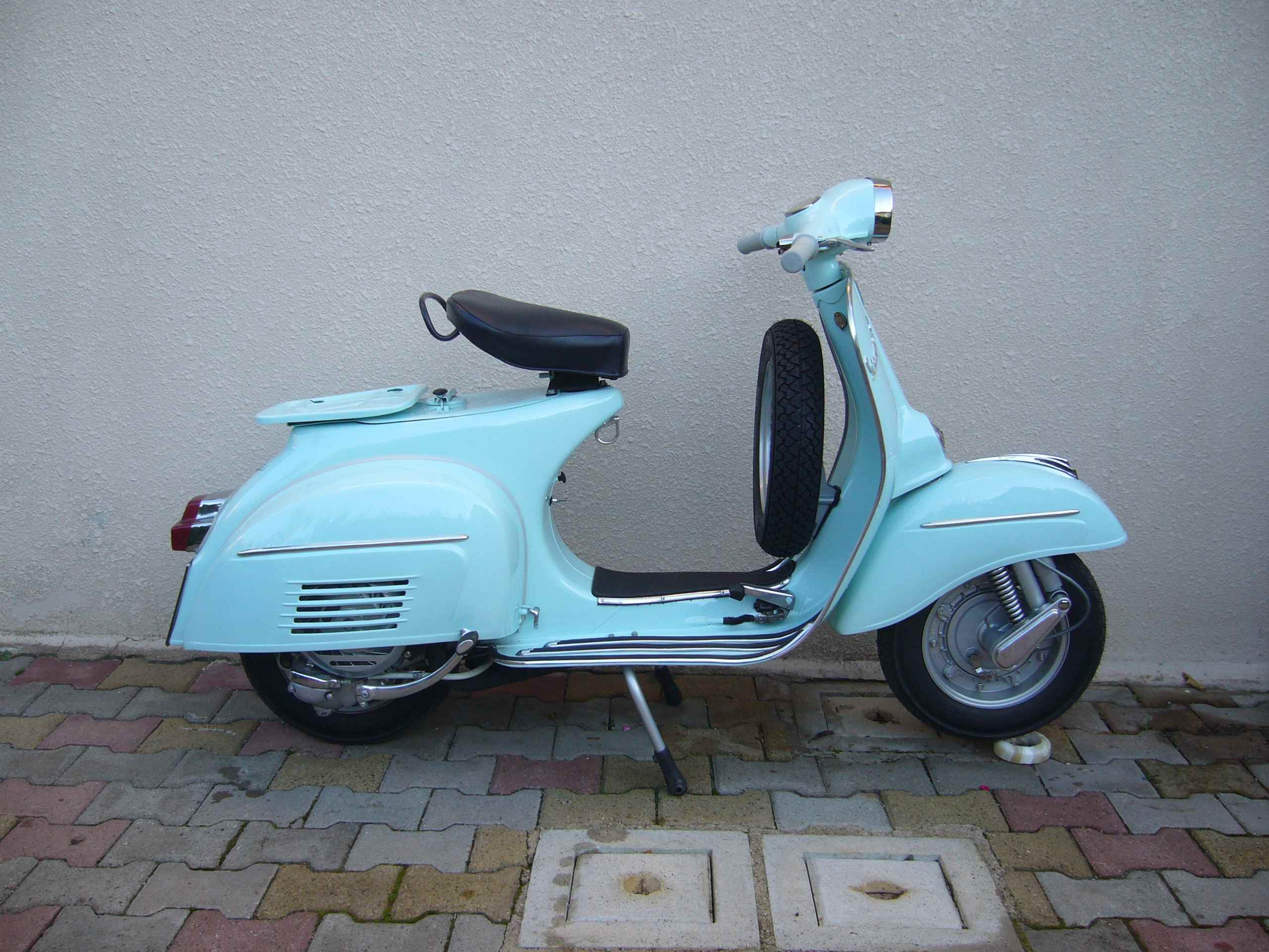 scaduto vendo piaggio vespa 125 gt 1966 doc in regola 57722. Black Bedroom Furniture Sets. Home Design Ideas
